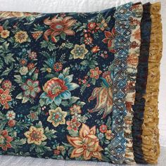 Robert Kaufman Fabrics Fabric Used: Marquis Download the ruffle pattern here: http://www.allpeoplequilt.com/millionpillowcases/freepatterns/Pillowcase-36.pdf
