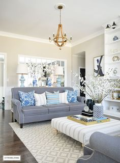 blue-and-white-spring-decor-transitonal-living-room-blue-and-white-spring-decor-transitonal-living-room-blue-and-white-spring-decor-transitonal-living-room #blueandwhitespringdecor #transitonallivingroom Beautiful Homes of Instagram @citrineliving Home Bunch