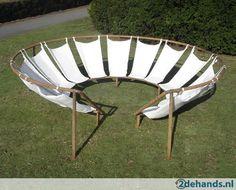 CHILL lounge tuin hangmatten hangstoelen cirkel zithoek. | Tweedehands.nl