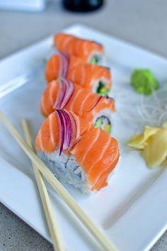 Salmon sushi @Saronsberg Cellar Cellar Cellar Cellar Cellar #Saronsberg #LikePinWin #VineyardCottageContest Sushi Co, Sweet Sushi, Sushi Party, Bento, Salmon Sushi, Sushi Time, Homemade Sushi, Food Wishes, Japanese Sushi