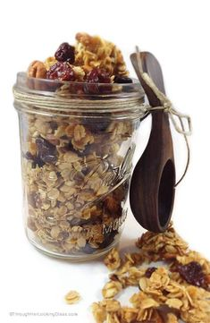 Cherry Pecan Granola. Absolutely scrumptious. Clean-eating. Sunflower seeds, almonds, pecans, rolled oats, dried cherries, honey. Gluten-free. Healthy Protein Bars, Healthy Snacks, Healthy Eats, Mexican Breakfast Recipes, Brunch Recipes, Clean Eating Recipes, Cooking Recipes, Homemade Food Gifts, Dried Cherries