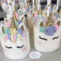 Unicorn Cake Pops Unicorn Chocolate Covered Strawberries Unicorn Rice Krispy T chocolate covered strawberries ideas Chocolate Covered Marshmallows, Marshmallow Pops, Chocolate Covered Strawberries, Rice Krispies, Rice Krispie Treats, Homemade Chocolate, Cake Chocolate, Unicorn Birthday Parties, Cup Cakes