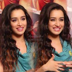 Indian Celebrities, Bollywood Celebrities, Bollywood Fashion, Bollywood Stars, Beautiful Bollywood Actress, Beautiful Actresses, Beautiful Saree, Gorgeous Hair, Shraddha Kapoor Cute
