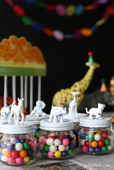 40 Wild Ideas for a Safari-Themed Party Substitute vegetables or fruits for the candy. circus party theme – paint small animal figures in party colors for table décor or favor toppers Safari Party, Circus Theme Party, Carnival Birthday Parties, Circus Birthday, Animal Birthday, Birthday Party Themes, Circus Party Decorations, Birthday Ideas, Party Animal Theme