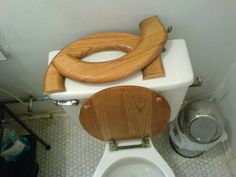 Tips for replacing a toilet seat - everything you need to know about toilet seat sizes, shapes, and colors!