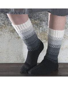 Villasukat - Käsityöohjeet | Lankava.fi Crochet Socks, Knitting Socks, Crochet Yarn, Crochet Stitches, Warm Socks, Cool Socks, Knitting Designs, Knitting Patterns, Different Stitches