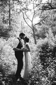Zwart/wit foto in het bos
