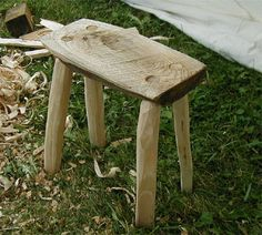 Camp Furniture for the Reenactor, this was literally hacked out of fire wood hail on site. Camping Furniture, Lawn Furniture, Handmade Furniture, Furniture Projects, Wood Projects, Furniture Plans, Green Woodworking, Woodworking Projects Diy, Woodworking Bench