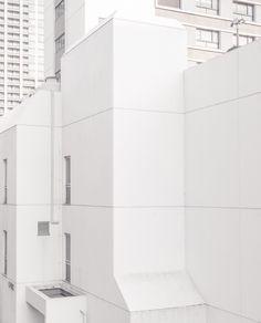 White volume, Shinjuku-ku, Tokyo   © Jan Vranovsky, 2015