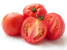 4. Tomatoes  Makeup Tutorials |21 Home Remedies For Dark Under Eye Circles - Makeup Tutorials
