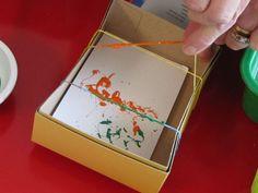 con una caja, elasticos y pintura! Haz tus obras de arte!