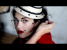 Lady Dior Web Documentary - Episode 3: Metamorphose  It's time for an exclusive photo shoot for Dior, and Marion Cotillard slips into some of the finest haute couture creations by Christian Dior himself.