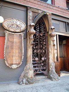 I spy in Portland, Oregon : Door.