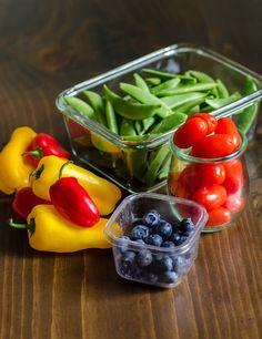 The 5 Best Fruit & Vegetable Snacks for Travel - Obst Fotografie Healthy Snacks, Healthy Eating, Healthy Recipes, Fruit Snacks, Healthy Habits, Lunch Recipes, Food Storage, Produce Storage, Kitchen Storage