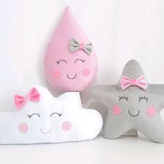 Cute Cushions, Small Pillows, Baby Pillows, Kids Pillows, Baby Sewing Projects, Diy Art Projects, Diy Hot Air Balloons, Baby Crib Diy, Bedroom Crafts