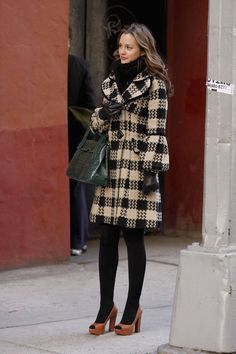 "I Dressed Like Blair Waldorf for a Week in Honor of ""Gossip Girl"" Turning 10 Estilo Blair Waldorf, Blair Waldorf Outfits, Blair Waldorf Gossip Girl, Blair Waldorf Style, Gossip Girl Blair, Blair Waldorf Fashion, Blair Waldorf Dress, Blair Waldorf Aesthetic, Blair Dress"