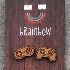Pendientes de madera regulador del juego