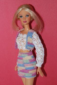 Watch This Video Incredible Crochet a Bear Ideas. Cutest Crochet a Bear Ideas. Crochet Doll Dress, Crochet Barbie Clothes, Crochet Doll Pattern, Knitted Dolls, Barbie Wedding Dress, Barbie Dress, Barbie Doll, Barbie Patterns, Doll Clothes Patterns