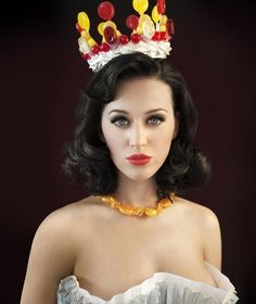 Katy Perry candy crown