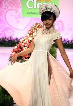Home :: Wedding Ao Dai :: White :: White Wedding Ao Dai WW073