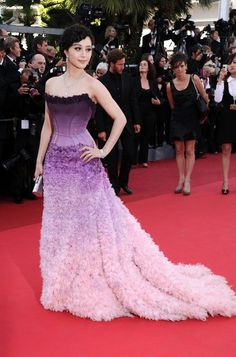 "Love purple ombre color- Actress Fan Bingbing attends ""The Artist"" premiere at the Palais des Festivals during the Annual Cannes Film Festival on May 2011 in Cannes, France. Purple Gowns, Purple Dress, Purple Ombre, Ombre Color, Jessica Chastain, Blake Lively, Actress Fanning, Fan Bingbing, Christian Dior"