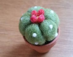 Mini needle felted succulent plant, needle felt cactus, small wool succulent with tiny flowers in a mini terracotta pot - FREE SHIPPING (US)