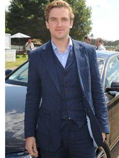 Downton's Dan Stevens voted UK's best-dressed man