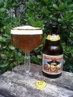 Marca: Biere du Boucanier.  Clase: Golden Ale.  Fabricante: Brouwerij Van Steenberge.  Cerveza de cebada.  Estilo: Belgian Golden Ale.  Procedencia: Bélgica.  Fermentación: Alta.  Grados: 11%.