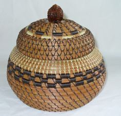 pine needle basket by Teri Thompson