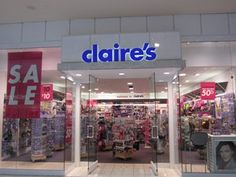Claire's, Oaks Mall