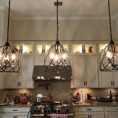 23 Rustic Country Kitchen Design Ideas to Jump Start Your Next Remodel - The Trending House Kitchen Island Lighting, Kitchen Lighting Fixtures, Kitchen Pendant Lighting, Kitchen Pendants, Kitchen Islands, Kitchen Chandelier, Kitchen Island Light Fixtures, Kitchen Lights Over Island, Bright Kitchen Lighting