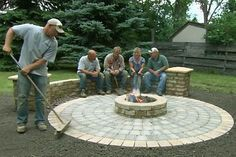 Old House landscape contractor Roger Cook builds beautiful circular patio that features a chill-chasing fire pit.This Old House landscape contractor Roger Cook builds beautiful circular patio that features a chill-chasing fire pit. Fire Pit Landscaping, Fire Pit Backyard, Backyard Patio, Landscaping Tips, Paver Fire Pit, Fire Pit With Pavers, Patio With Firepit, Backyard Seating, Outdoor Seating