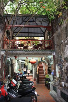 Courtyard of a hidden cafe (Ca Phe Co)