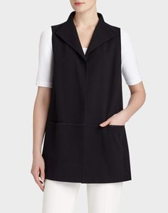 Put some kick in your classics with the endlessly versatile, jersey vest.
