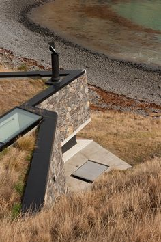 Designed by Pattersons, Seascape Retreat is a beachside cottage located on the Banks Peninsula, New Zealand. Residential Architecture, Modern Architecture, Cultural Architecture, Commercial Architecture, Amigurumi Animals, Banks, Shelter Design, Honeymoon Hotels, Romantic Escapes