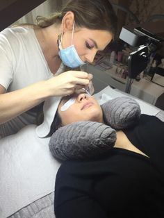 "Lindsey Rae Joslyn-Rohner, NovaLash trainer and advanced lash artist, is also a self-proclaimed ""interior-design fanatic."" So, it's no surprise that the overall look of her private lash studio in Chicago was just as important as its functionality for applying eyelash extensions."
