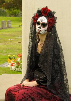 Viuda Negra Mask, Day of the Dead full faced mask with headdress, burnt silk…