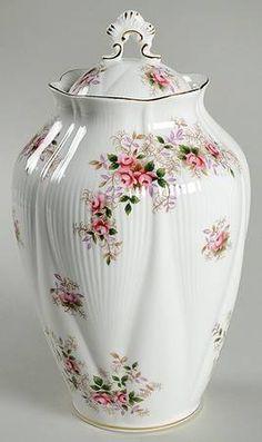 Royal Albert Lavender Rose Chelsea Vase with Lid
