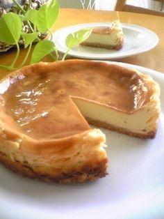 BAKED CHEESECKAE W PROCESSED CHEESE 簡単☆濃厚☆ベイクドプロセスチーズケーキ (yogurt, cream sandwich cookie)