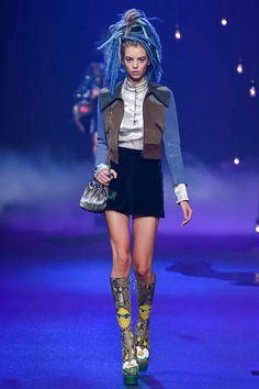 Marc Jacobs Spring 2017 Ready-to-Wear Fashion Show - Michi Delane  I love this velvet skirt and patchwork jacket!
