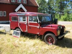 //1957_Land_Rover_Series_I_Station_Wagon_front_q.jpg (2272×1704)