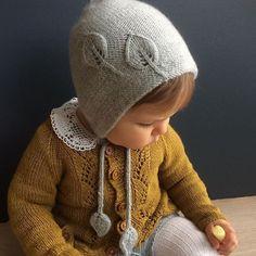 Bonnet for autumn / hat for autumn pattern by Marion Alseth knitting patterns knitting patterns baby knitting patterns cardigans knitting patterns children knitting Baby Knitting Patterns, Knitting Baby Girl, Crochet Baby Hats, Knitting For Kids, Knitted Hats, Crochet Patterns, Crochet Cats, Crochet Birds, Crochet Food