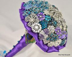 Peacock  Brooch Bouquet by Blue Petyl #BroochBouquet #WeddingBouquet #wedding #bridal #bouquet