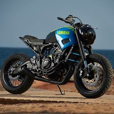 AD HOC delivers Otokomae, a minimalist cafe-racer based on the Yamaha a bike that hails the exuberance of solo rides Custom Tanks, Custom Bikes, Scrambler Moto, Cafe Racer Magazine, Sr500, Ad Hoc, Street Tracker, Motorcycle Garage, Cool Bikes