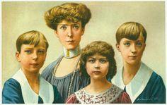 """In 1900 had Albert prinses Elisabeth van Beieren gehuwd. Zij zou in de geschiedenis van """"s Lands Glorie"""" een bewonderens-waardige zending vervullen. Zij hadden drie kinderen: Leopold, die zijn vader als koning zou opvolgen, Karel die regent zal zijn en Marie-José die koningin van Italië zal worden."""