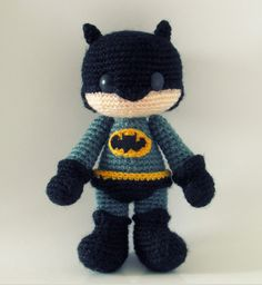 вязаная игрушка амигуруми бэтмен