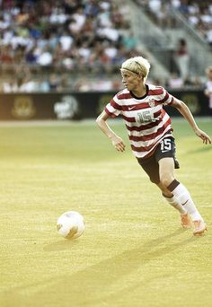 Megan Rapinoe. Consistent playmaker. Whenever she decides to go 1v1 around the box, odds are good that SOMETHING is going to happen. Awesome player to watch.
