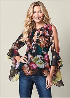 Order a sexy Black Multi Cold Shoulder Blouse from VENUS. Shop short sleeve tops, tanks, tees, blouses and more at an affordable price today!Women~s Long Black Women Fashion, Look Fashion, Womens Fashion, Blouse Styles, Blouse Designs, Cold Shoulder Bluse, Bohemian Mode, Indian Outfits, Chiffon Dress