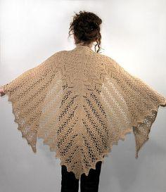 Aran weight Victorian lace shawl Tuto gratuit en français