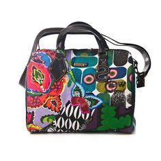 Desigual - I want it! Beautiful Bags, Shirt Jacket, My Bags, Printing On Fabric, Diaper Bag, Wallets, Barcelona, Artsy, Passion
